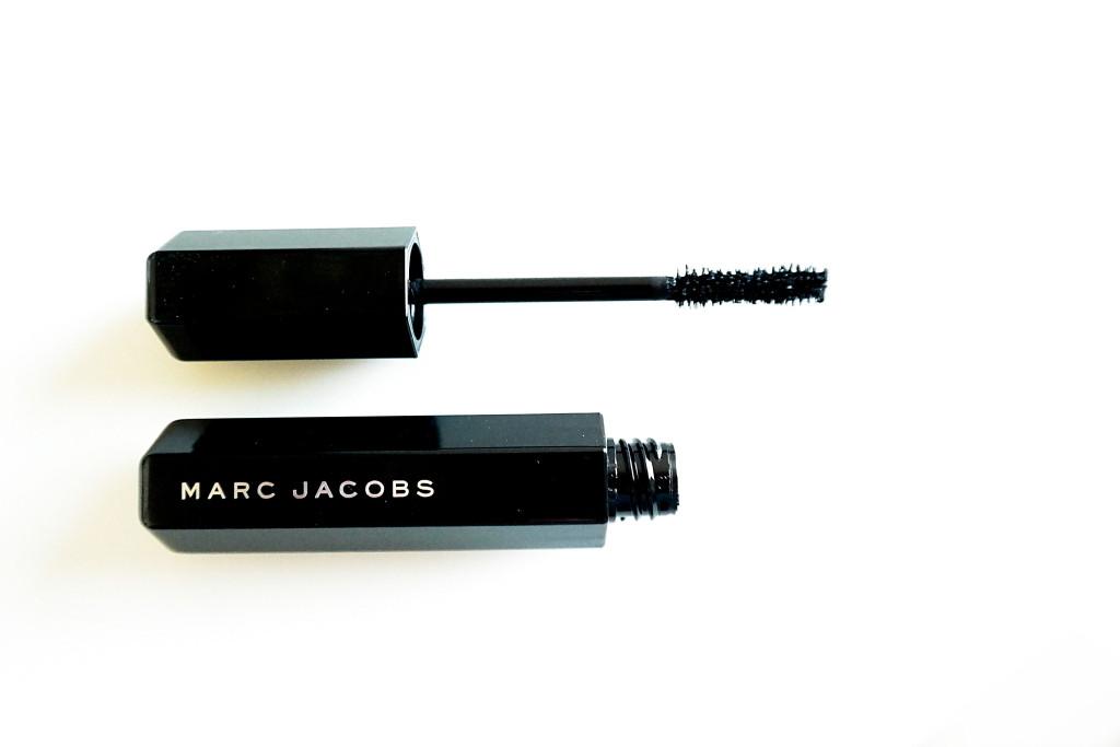 Marc-Jacobs-Velvet-Noir-8