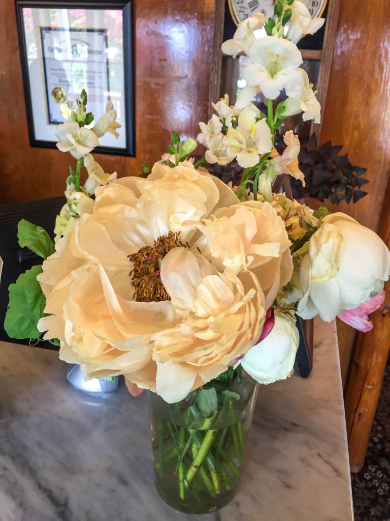 Beautiful-flowers-at-the-lobby