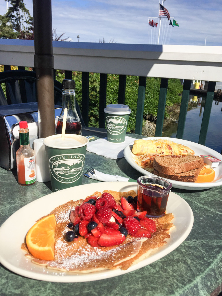 Delicious-brunch-next-to-the-harbor