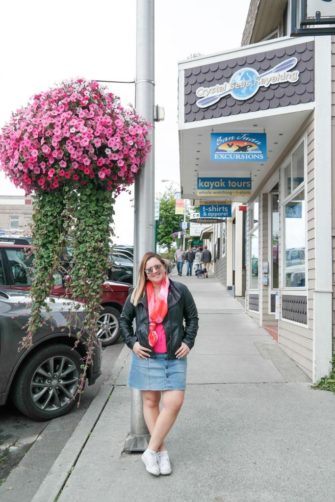 Walking-in-Friday-Harbor
