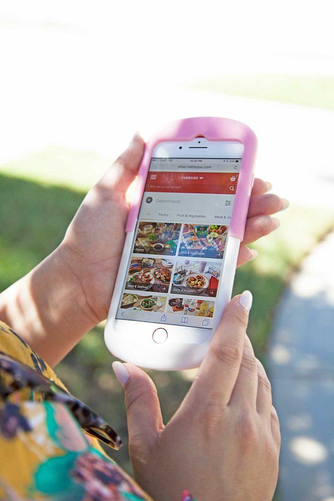 Ordering HEB Curbisde groceries is so easy on the HEB app!